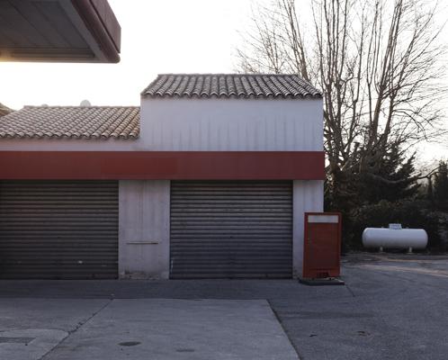 Station service près de Palette.